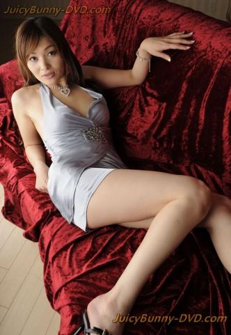 Hitomi Kanou, Japanese MILF loves anal sex - JuicyBunny JAV Photo gallery