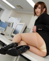JAV Idol Honoka Orihara, Wanna be buried in Office Lady